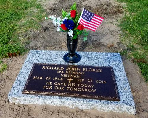 https://www.monumentsofvictoria.com/wp-content/uploads/2020/07/Flores-Richard-John-3-VA-Bronze-Pink-Pearl-Base-500x400.jpg